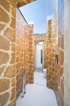 This Is A Thing – Bathroom Tiles That Look Like A Giraffe