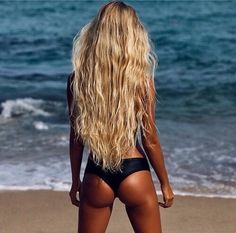 Tanning tip: Use coconut oil as tanning oil. It all natural & just as efficient. Other benefits include:it nourishes, soothes, & conditions the skin as well as helps retain moisture. Bikini Mode, The Bikini, Bikini Beach, Daily Bikini, Cheeky Bikini, Bikini Babes, Bikini Girls, Hanalei Reponty, Human Lace Front Wigs