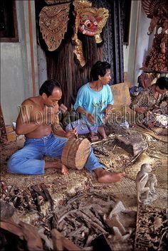Indonesia, bali, ubud-mas, wood carving