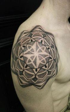 geometric tattoo shoulder