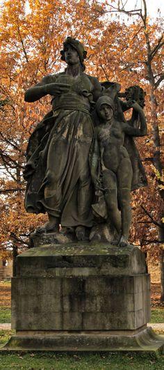 Josef Václav Myslbek - Lumír and Píseň (from sculptural group from Czech legends at Vyšehrad, Prague, Czechia (1881-1897) #sculpture #Czechia #CzechArt #art #memorial