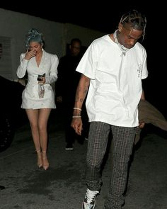 Kylie and Travis Kylie Jenner Pictures, Kylie Jenner Outfits, Kendall And Kylie Jenner, Kardashian Style, Kardashian Jenner, Kardashian Family, Travis Scott Fashion, Travis Scott Kylie Jenner, Estilo Jenner