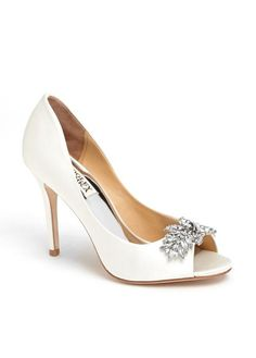 18024c6efb93 New  225 Badgley Mischka White Satin Buzz Pumps 9  BadgleyMischka   PumpsClassics Wedding Pumps