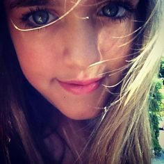 her eyes Lottie Tomlinson, Hoop Earrings, Eyes, Beautiful, Style, Fashion, Swag, Moda, Fashion Styles