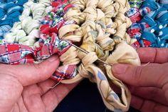 How to make a crocheted rag rug #DIY