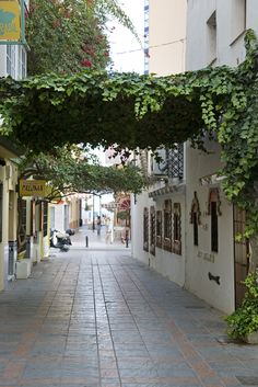 Fuengirola. http://www.actuweek.com/go/amazon-espagne.php