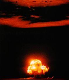16 luglio del 1945: test Trinity, la prima bomba atomica della storia esplode nel deserto di Alamogordo liberando 20 chilotoni di potenza.