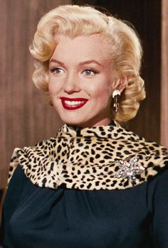 "brando-monroe-dean: "" Gentlemen Prefer Blondes "" Three of all of my favorite things in one gif: Marilyn Monroe, leopard print and brooch. Gentlemen Prefer Blondes, Brigitte Bardot, Classic Hollywood, Old Hollywood, Divas, Marilyn Monroe Fotos, Greta, Actrices Hollywood, Marlene Dietrich"