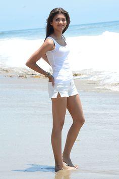 Zendaya Coleman Bikini 2014 New | Celeb Snaps! Hottest Star Sightings - Wednesday 07.10.13