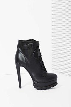 . http://louboutinishoesky.blogspot.com/  #wedding shoes#christian louboutin wedding shoes#wedding#shoes#$129