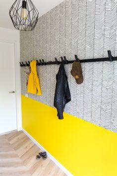 Scandinavian Interior Design, Scandinavian Home, Interior Design Living Room, A Frame House, Simple Wallpapers, Love Wallpaper, Colorful Interiors, House Design, Home Decor