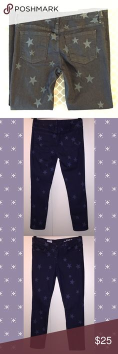 """NWOT GAP 1969 Laser Star Print Jeans Size 28R * Brand: GAP 1969 * Size: 28R * Color: Dark Wash w/ Star print * Materials: 87% Cotton, 12% Polyester, 1% Spandex * Measurements taken laying flat & approximate: Waist 15.5"""", Inseam 28.5"""", Rise 8.5"""", Leg opening 6"""" * Features: Jeans style is """"Always Skinny"""", ankle length, cute star print, these jeans are less on the stretchy side & more of a thicker weight  * Condition: Never worn, new w/o tags, stored with fragrance sachet  *Smoke free home…"""