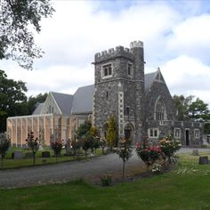 As beautiful on the outside as it is on the inside. It was renovated and repaired after the Christchurch Earthquakes. St Peter's Church, Wedding Venues, Public, Goals, Mansions, Architecture, House Styles, Projects, Beautiful