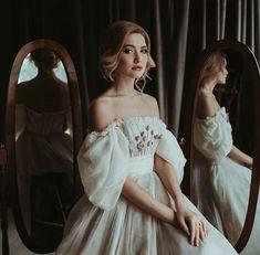 Dream Wedding Dresses, Wedding Gowns, Prom Dresses, Pretty Outfits, Pretty Dresses, Moda Boho, Fantasy Dress, Beautiful Gowns, Dream Dress