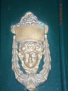 Llamador mujer con cesto Oporto