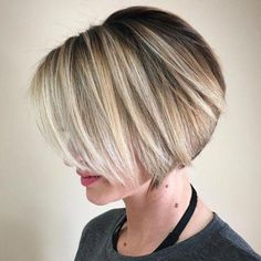 Women Hairstyles 2019 Neat Short Rounded Bob for Straight Hair.Women Hairstyles 2019 Neat Short Rounded Bob for Straight Hair Haircuts For Fine Hair, Haircut For Thick Hair, Bob Hairstyles, Straight Hairstyles, Bob Haircuts, Thin Hair, 1930s Hairstyles, Simple Hairstyles, 2018 Haircuts