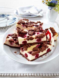 Warum wir Streuselkuchen so lieben? Wegen der knusprigen Streusel, dem saftigen Boden und der cremigen Füllung. 25 Mal Knuspergenuss für jeden Geschmack! Love Cake, Cookie Pie, Cookie Desserts, No Bake Desserts, Cupcake Cookies, Baking Recipes, Snack Recipes, Cocktail Desserts, Cake Boss