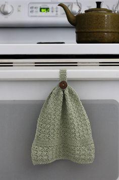 Amour Hanging Towel – Free Crochet Pattern Amour Hanging Towel – Free Crochet Pattern — Hooked On Tilly Embroidery Patterns Free, Knitting Patterns Free, Crochet Patterns, Crochet Ideas, Crochet Projects, Knitting Tutorials, Blanket Patterns, Free Knitting, Stitch Patterns