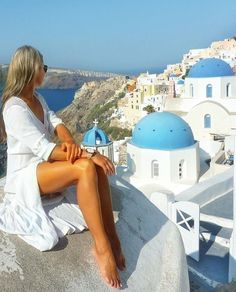 Oia Santorini, Beautiful Legs, Summer Days, Rooftop, Photo And Video, Lifestyle, Building, Beach, Travel