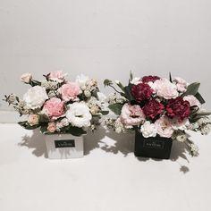 花 Beautiful Bouquet Of Flowers, Elegant Flowers, Beautiful Flowers, Wedding Flowers, Flower Centerpieces, Flower Vases, Flower Decorations, Flower Packaging, Rose Arrangements