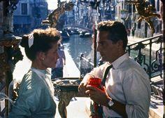 """Ketherine Hepburn e Rossano Brazzi in una scena del film """"Tempo d'estate."""" 1954"""