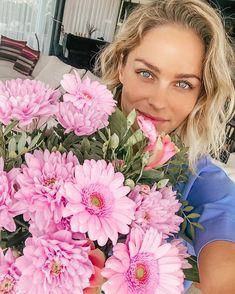 Floral Wreath, Wreaths, Board, Beauty, Jewelry, Instagram, Decor, Fashion, Moda