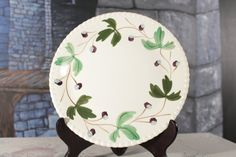 Vintage Blue Ridge Mountain Ivy Dinner Plate Southern Potteries Bubble trim Wall hanging Fruit blueberry Hand Painted