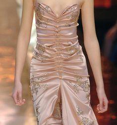 roccobarocco discovered by Debruno on We Heart It Couture Fashion, Runway Fashion, High Fashion, Fashion Show, Fashion Outfits, Womens Fashion, Pretty Dresses, Beautiful Dresses, Look Retro