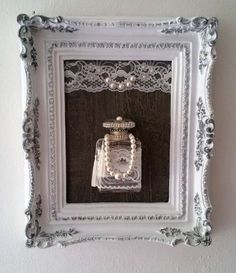retro home decor shabby chic - a collection of strategies and tips for an amazing retro look Tip pinned on today 20190113 Antique Frames, Retro Home Decor, Shabby Vintage, Diy Frame, Craft Sale, Shabby Chic Decor, Framed Art, Picture Frames, Diy And Crafts