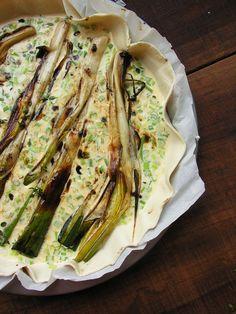 Tarte de alho francês caramelizado em vinagre balsâmico