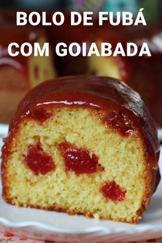 Cornmeal cake with guava and cheese- Bolo de fubá com goiabada e queijo Easy and delicious recipe for cornmeal cake with guava … - Guava Cake, Churros, Pound Cake Recipes, Vanilla Cake, New Recipes, Cupcake Cakes, Keto, Dessert Recipes, Food And Drink