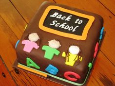Back to School Cake and Cupcake Ideas.