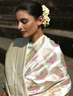 Discover thousands of images about Ivory Handwoven Benarasi Silk Saree Drape Sarees, Trendy Sarees, Tussar Silk Saree, Indian Attire, Indian Wear, Elegant Saree, Silk Sarees Online, Half Saree, Saree Styles