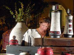"""Séverine Babault de l'Atelier """"TERRE D'EMPREINTES"""" artiste créatrice de poteries originales en technique raku."""