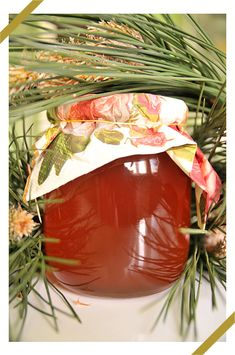 Sosnowy syrop z miodem Polish Food, Polish Recipes, Home Remedies, Natural Remedies, Irish Cream, Punch Bowls, Preserves, Food Art, Smoothies