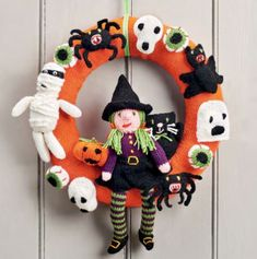 Free Knitting Pattern for a Halloween Wreath ⋆ Knitting Bee Halloween Knitting Patterns Free, Beginner Knitting Patterns, Halloween Patterns, Free Knitting, Knitting Projects, Knitting Toys, Baby Knitting, Tejido Halloween, Crochet Pour Halloween