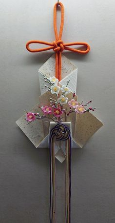 Flower Crafts, Flower Art, Decor Crafts, Diy And Crafts, Origami Ornaments, Japanese New Year, Japan Crafts, Study Room Decor, New Years Decorations