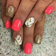 Pink + Gold Chevron | Awesome Spring Nails Design for Short Nails | Easy Summer Nail Art Ideas