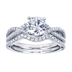 wedding ring set... i love this! But possibly with a square center
