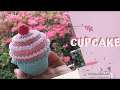 Crochet Food, Crochet Hats, Youtube, Make It Yourself, Creative, How To Make, Crafts, Cupcakes, Creative Crafts