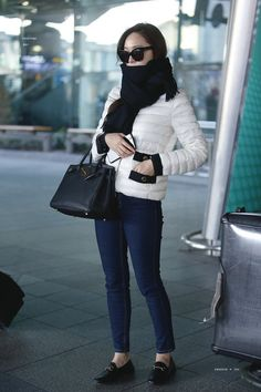 170314 Jessica Jung @ Incheon Airport by jessture Snsd Fashion, Girl Fashion Style, Fashion 101, Korean Airport Fashion, Korean Fashion Trends, Jessica Jung Fashion, Krystal Jung, Mein Style, Airport Style