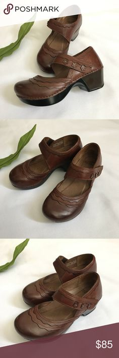 "Dansko Mary Jane Clogs  Harlow Size 36 Dansko ""Harlow"" Mary Jane  Clogs Shoes, Size 36. In Very Good Condition, very light Scuffs, Memory Foam footbed for all day support, Leather Upper. Dansko Shoes Mules & Clogs"