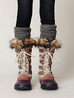 5a355ac3ff341 cute boots and rolled wool socks. these look so comfy. Warm Sweaters
