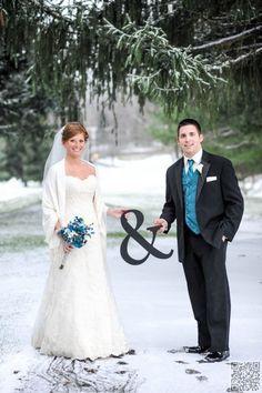 24. #Winter Wedding - 44 Amazing Wedding #Photography Ideas to Copy ... → Wedding #Wedding