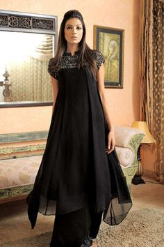 Love this all black, flowly shalwar kameez. #Pakistani Dress