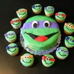 Ninja Turtle Birthday Cake Cupcakes - SOMEONE SHOULD MAKE THIS FOR ME