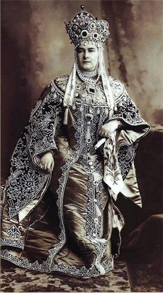 Russian great Dutchess, Russia 1900 - is it me or does this woman resemble Liberace?