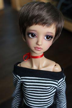 i just love the big eye dolls lol☺