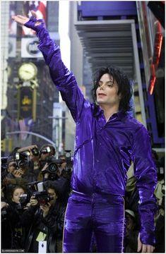 Michael Jackson Rare Thriller Era | MICHAEL-THE-INVINCIBLE-michael-jackson-11792610-327-500.jpg