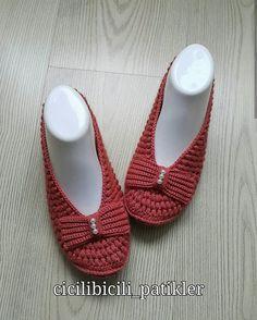👌🏻👌🏻 . . . . @cicilibicili_patikler . . #patikmodelleri#orgumodelleri#elemeği#kesfet Mary Janes, Slippers, Flats, Shoes, Instagram, Education, Fashion, Crochet Shoes, Budget
